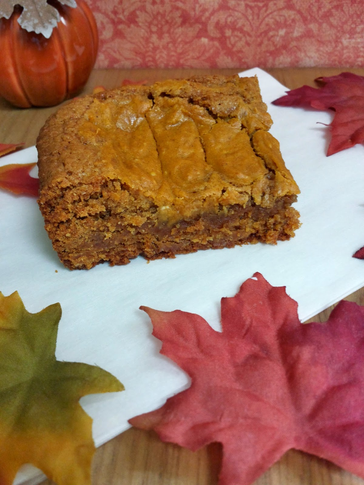 a pumpkin cheesecake bar