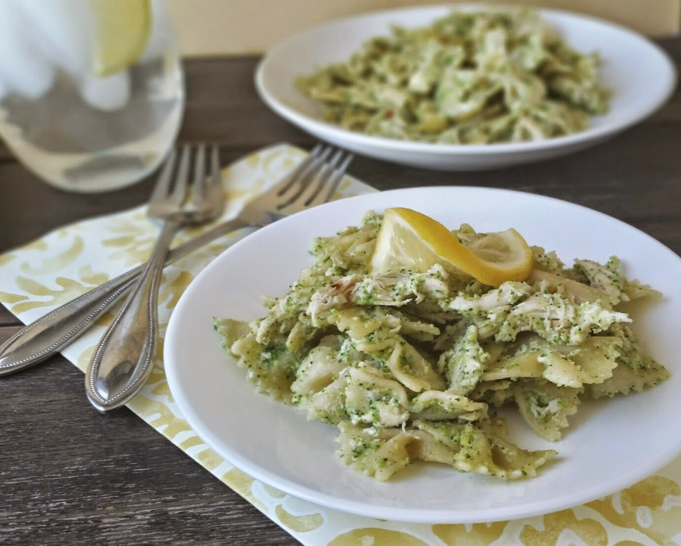 creamy chicken and broccoli pesto pasta