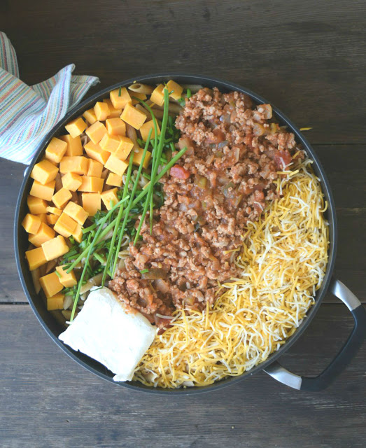 ingredients for cheesy taco pasta