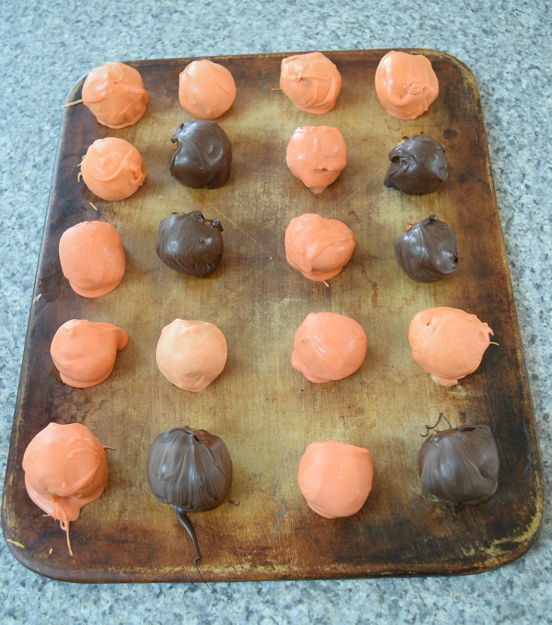 chocolatecoveredoreoballs