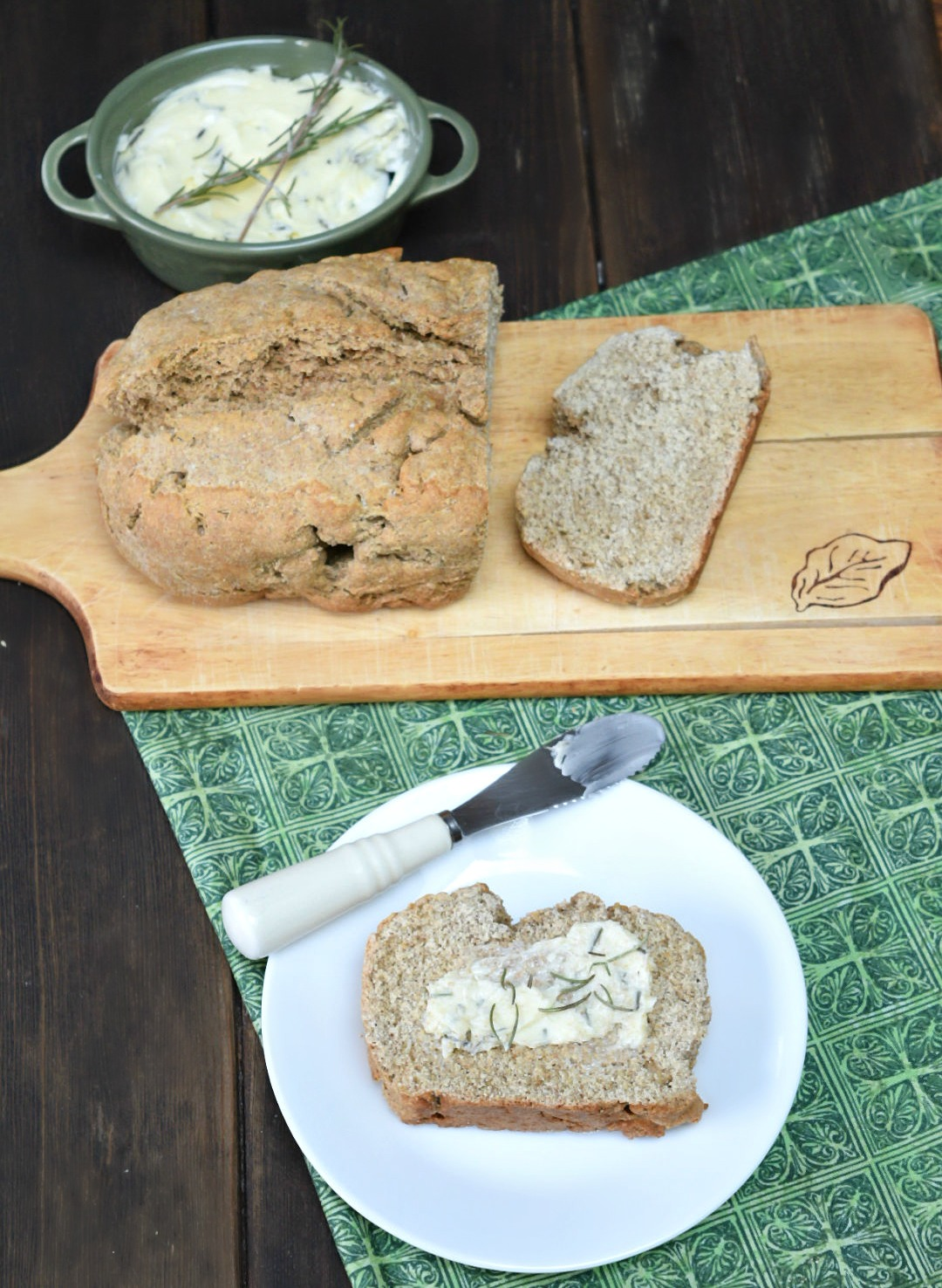 IrishBrownBreadwithrosemarybutter
