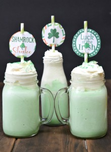 Shamrock Shake Straw Topper + Recipe