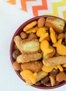 sweet and salty goldfish cracker snack mix