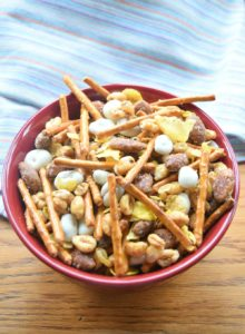Crunchy Cereal Snack Mix